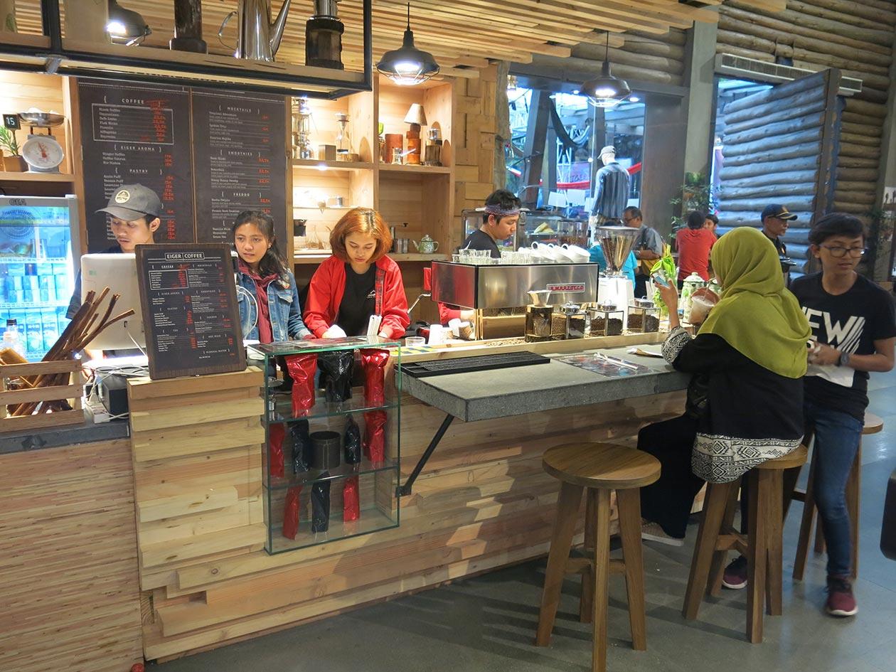 Ajang Kumpul Komunitas Eiger Bandung