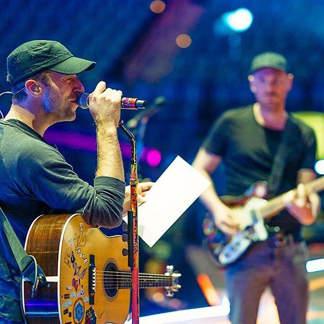 "Coldplay Comot Suara Muhammad Ali untuk ""Everglow"" Versi Baru"