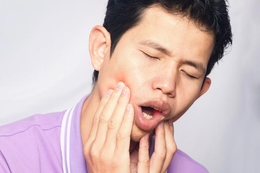 Pertolongan Pertama Saat Sakit Gigi Meyerang
