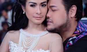 Foto Iis Dahlia dan Ivan Gunawan yang dianggap mesra netizen./Instagram Iis Dahlia