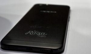 Ponsel Oppo F1s Limited Edition Raisa Phone yang diluncurkan di Hotel Sheraton, Jakarta (7/12). (Trisno Heriyanto/uzone.id)